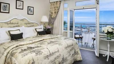 Old Government House Hotel - Sea View Bedroom